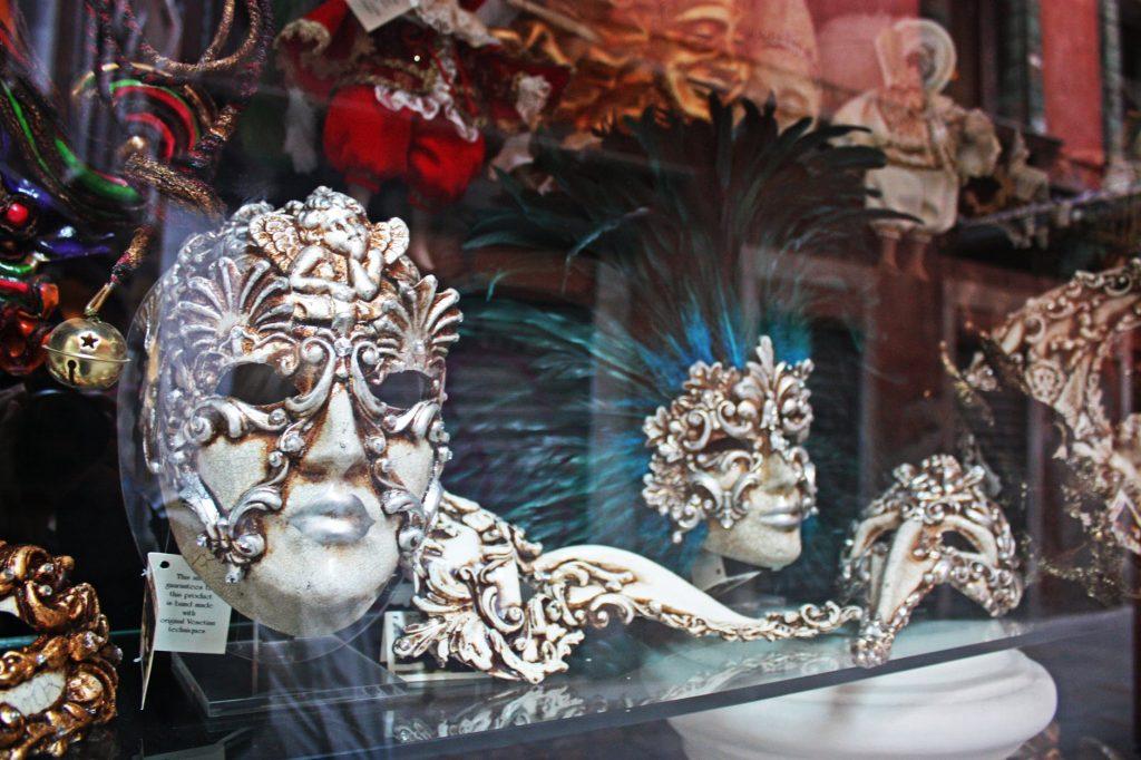 Historia de las máscaras de baile